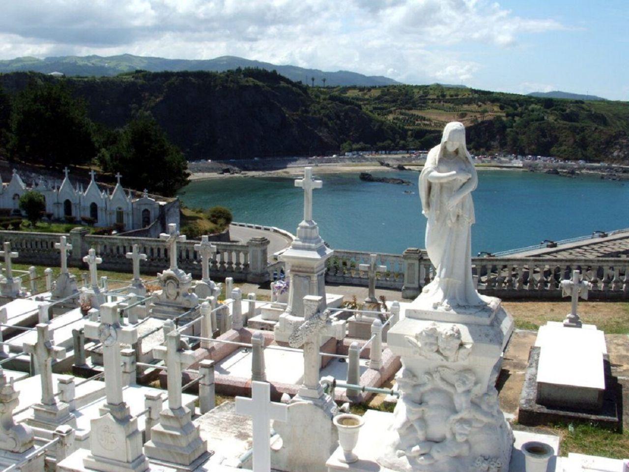 Cementerio de Luarca en Asturias
