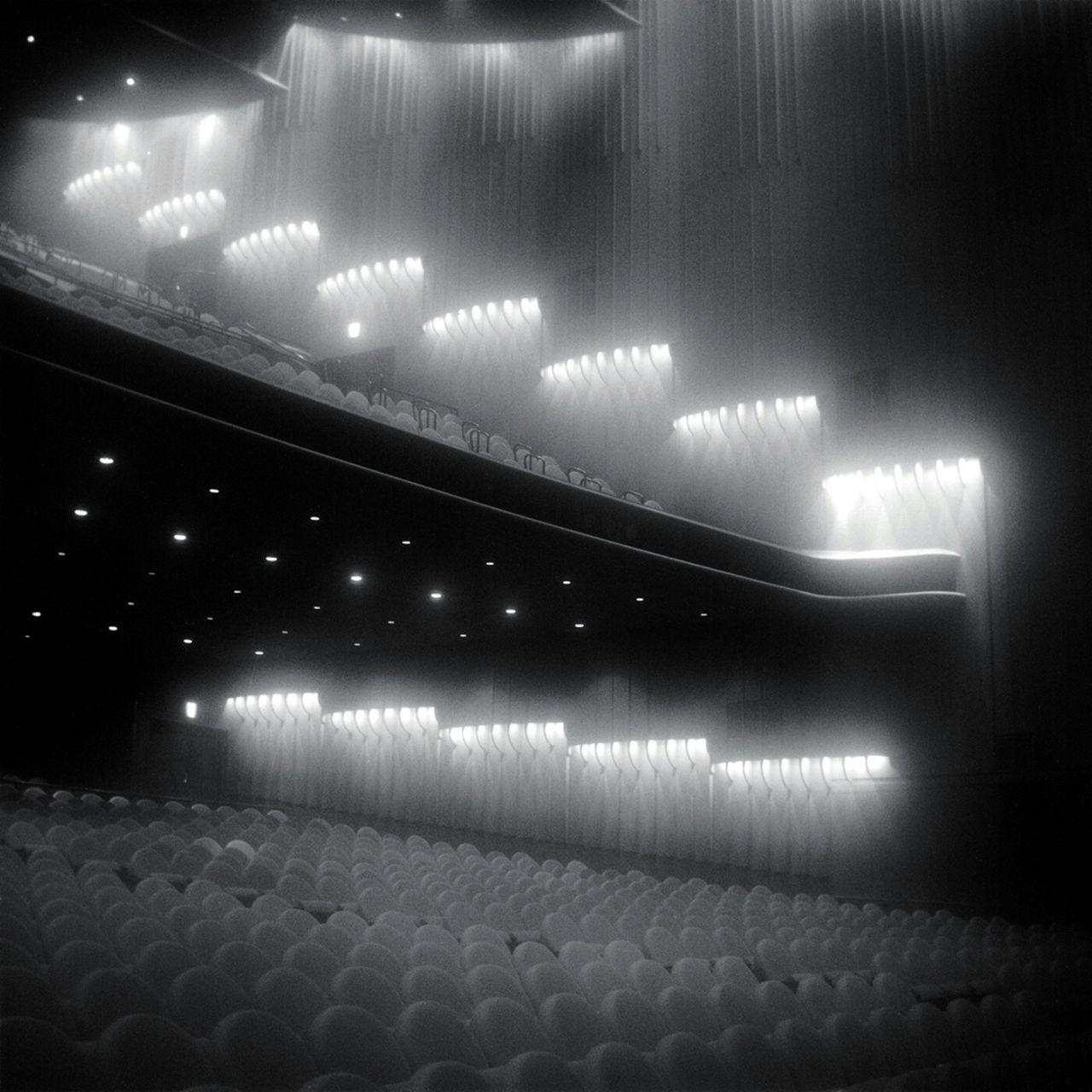 Teatro Takarazuka, Tokio (Clausen y Vutokevich), 2008