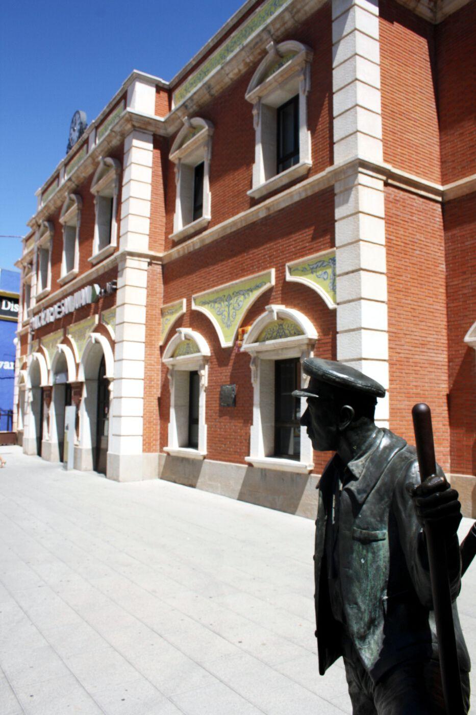 Alcazar de San Juan Fachada Principal Estacion de Trenes