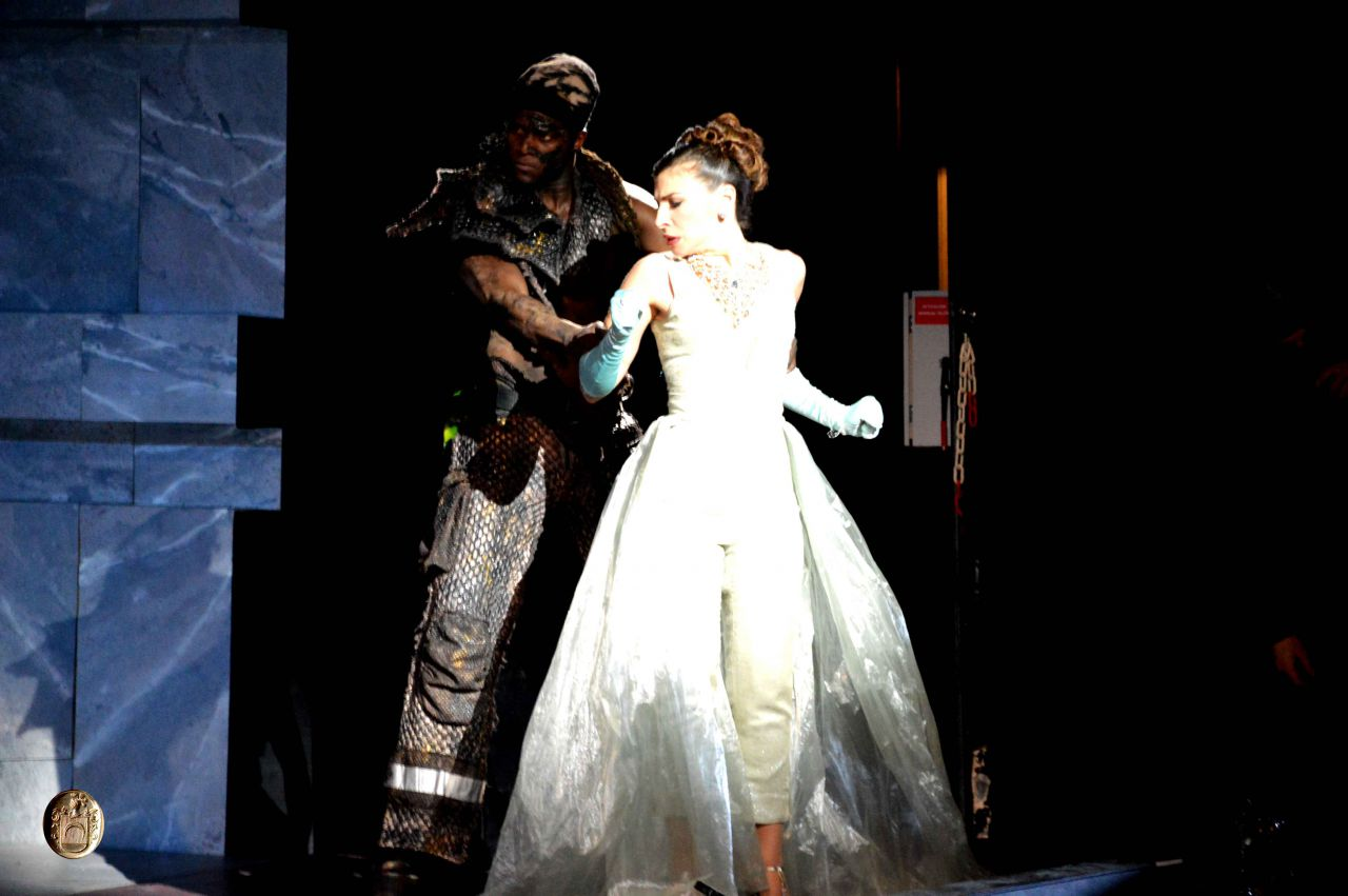 """Ensayo general en el Teatro La Zarzuela ( """"La Guerra de los Gigantes"""" y """"El imposible mayor en amor, le vence Amor"""