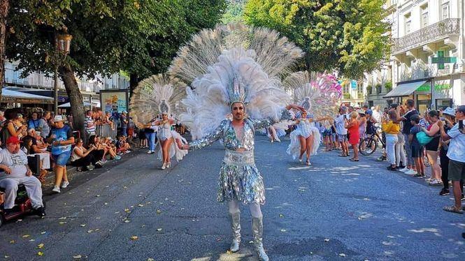 La Comparsa Salgeiro de Cartagena presente en la Fiesta de las Flores de Francia