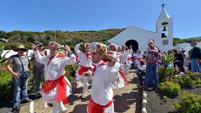 El Hierro apoya la representación en el exterior del folclore herreño