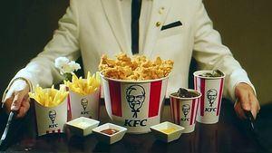 KFC convierte la suite del emblemático hotel de Madrid en la Suite KFC Palace