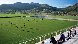 La selección de fútbol de Chile visita y entrena en La Manga Club