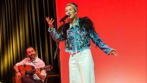 Nella, la intérprete de la canción Volando de Iberia, gana el Grammy Latino