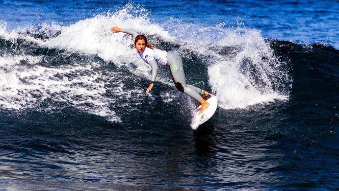 Surf y vela, protagonistas durante el Puente de Diciembre en la capital grancanaria