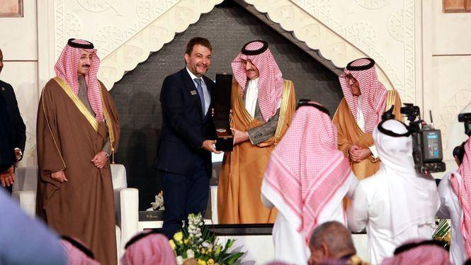 El presidente del Grupo BlueBay Hotels galardonado por su aportación a la Liga Árabe de Turismo