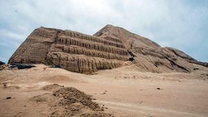 La Huaca del sol y de la luna sitio arqueológico imprescindible en Perú