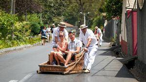 Carreiros do Monte, una tradición y atracción que transporta al pasado de Madeira