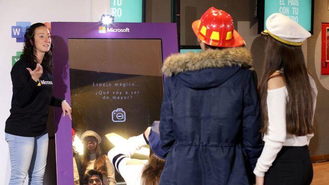 Microsoft muestra sus plataformas educativas gratuitas en la feria El País con tu Futuro