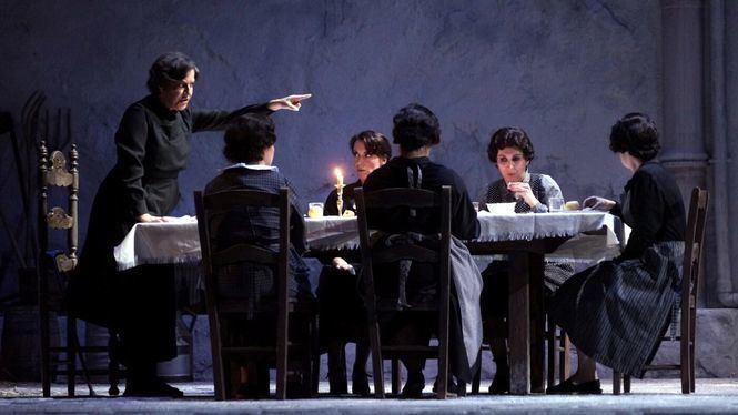 El Teatro de la Zarzuela Premio Ópera XXI por La Casa de Bernarda Alba