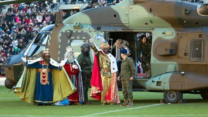 Cabalgatas de Reyes… entre la curiosidad y la sorpresa y un helicóptero