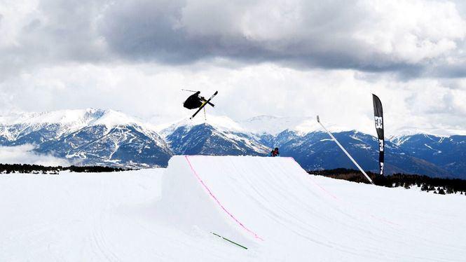 La Copa del Mundo de Ski Freestyle se celebra en Font-Romeu Pyrénées 2000