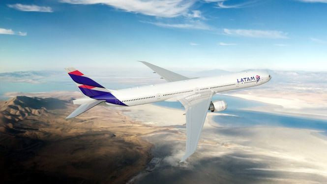 LATAM recibe dos reconocimientos por la puntualidad de sus vuelos