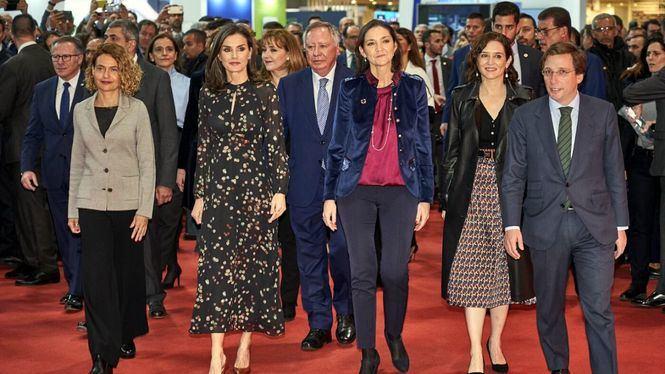 La Reina inauguró FITUR junto a una amplia presencia de autoridades