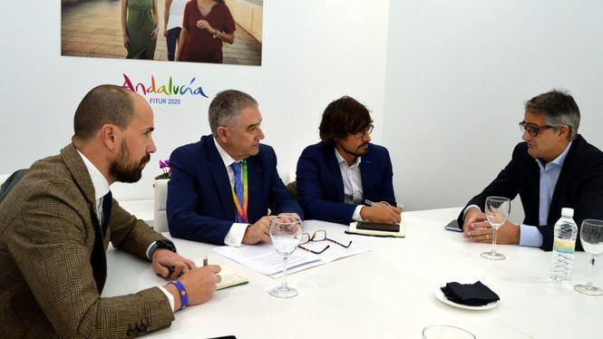 La Junta se reúne con aerolíneas para consolidar la conectividad aérea