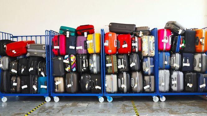 Reclamación de las maletas perdidas en un vuelo