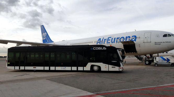 Groundforce comienza a operar el primer autobús eléctrico en el aeropuerto de Barcelona