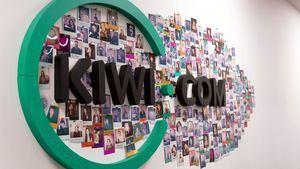 Kiwi.com introduce itinerarios de clases mixtas para clientes y socios