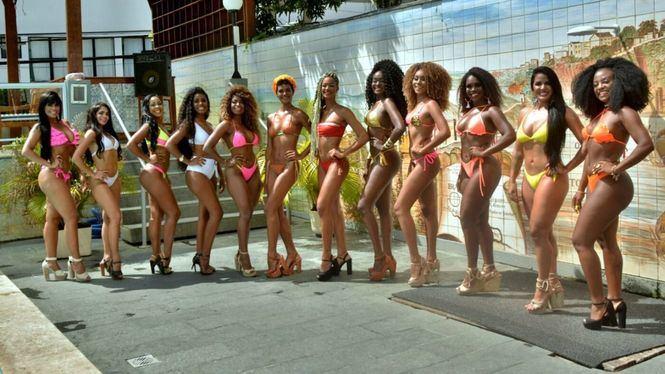 Carnaval de Salvador de Bahía: ¡La Fiesta Callejera más Grande del Mundo!