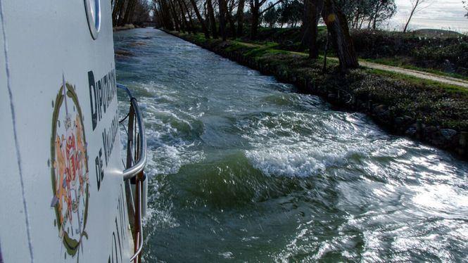El tren que llega al único canal navegable de España