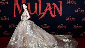 Liu Yifei en el estreno de Mulan en Los Angeles luce pendientes Chaumet