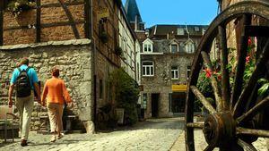 Durbuy (Valonia), no alberga ninguna franquicia ni comercios con sello internacional