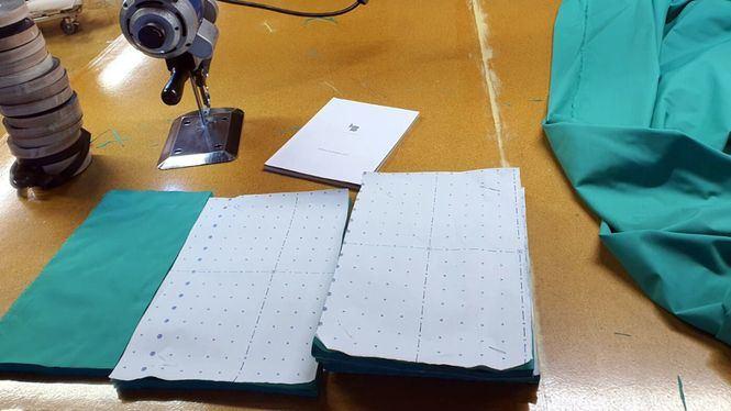 La firma Laura Bernal fabrica mascarillas para hospitales de Murcia