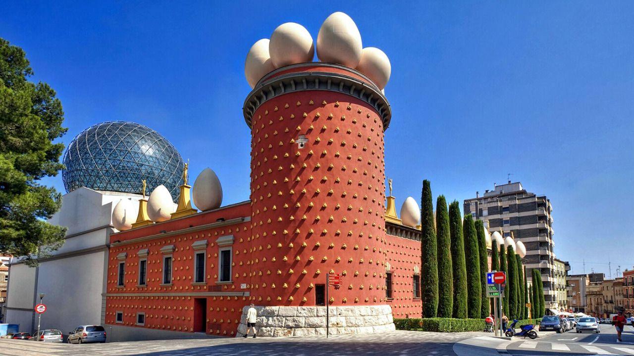 Visita el Teatro-Museo Dalí como nunca habías hecho | Inout Viajes