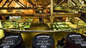 Viaje virtual por la historia de los excelentes whiskies de Irlanda