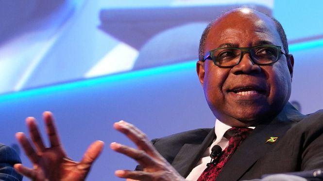 El ministro de turismo de Jamaica anuncia los planes de reactivación del sector