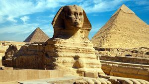 La Gran Esfinge y la Gran Piramide de Guiza
