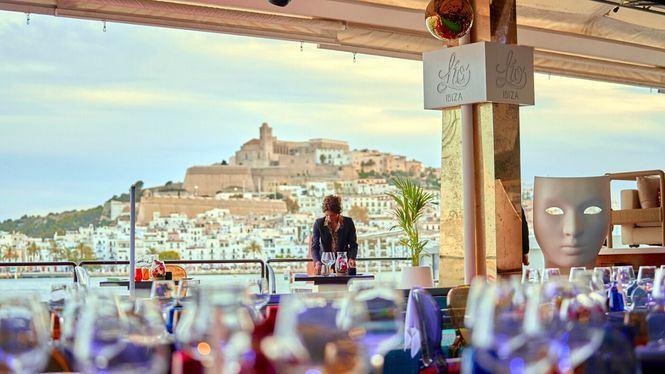 El restaurante-cabaret Lío Ibiza, abanderado de un estilo único, abre sus puertas