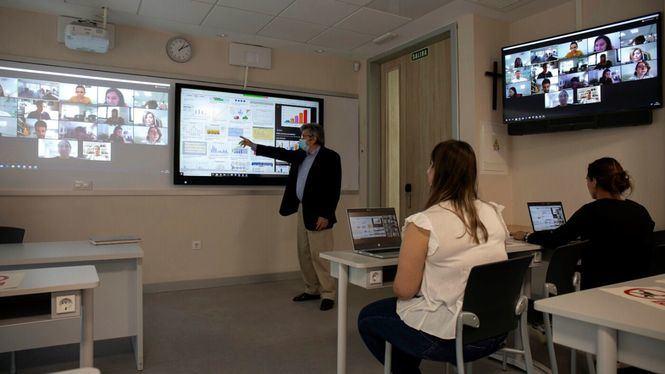 CEU San Pablo presenta sus aulas de doble presencialidad de cara a septiembre