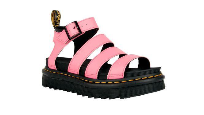 Dr. Martens presenta tres nuevos modelos de sandalias con la suela más ligera