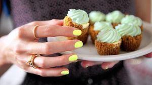 El color verde lima en uñas, tendencia para este verano