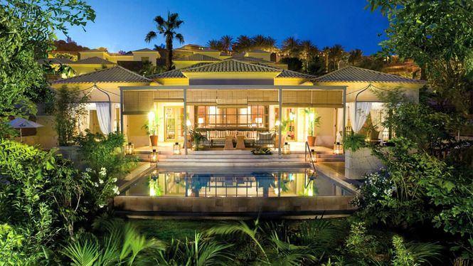 El hotel Bahía del Duque reabre sus villas el 1 de julio