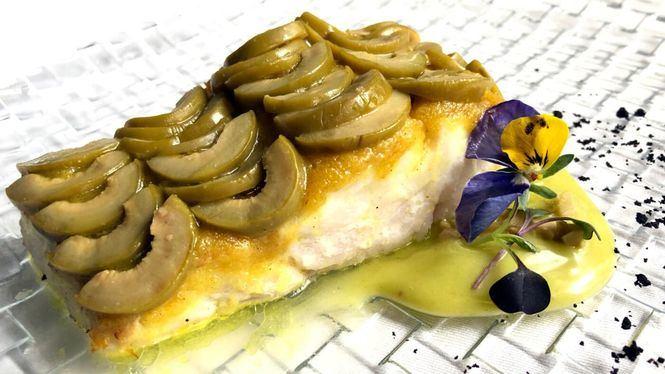 Merluza con escamas de aceituna gordal al curry, reto gastronómico de Pedro Larumbe