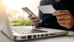 ¿De viaje y sin dinero? Recibe y manda transferencias con estas apps