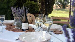 Visitas guiadas con cata y gastronomía familiar en las bodegas Martúe & Blanco Nieva