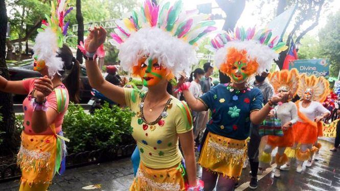 El Festival de las sonrisas de Filipinas se celebró en las calles de Taipéi