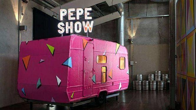 Alegría, la primera exposición del recuperado Pepe Show en las Naves del Español