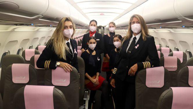 Iberia Express apuesta por el rosa como apoyo en la lucha contra el Cáncer de Mama