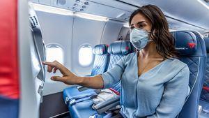 Delta bloquea los asientos del medio y limita la capacidad a bordo