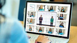 CaixaBank y Microsoft premian a las mejores estudiantes de grados universitarios técnicos en España