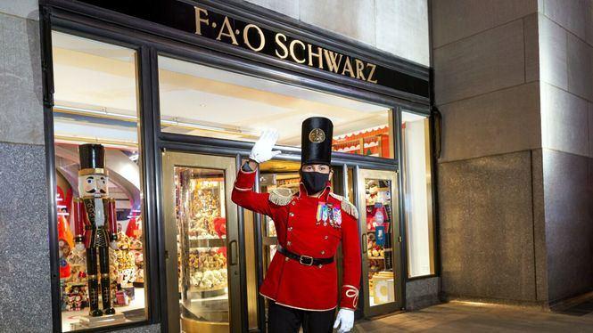La tienda de juguetes FAO Schwarz abre sus puertas para pasar una noche mágica