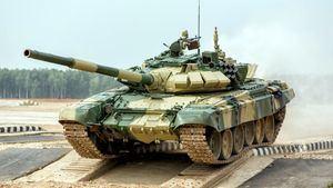 Conducir un tanque de la Unión Soviética