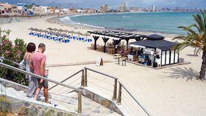 Cartagena declara de interés turístico las bodas en playas para su autorización por Costas del Estado
