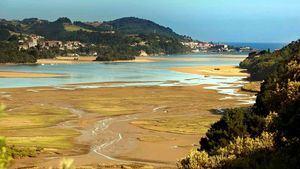 Urdaibai, un tesoro natural en Vizcaya con playas espectaculares y atractivos montes