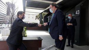 Encuentro del Embajador del Reino Unido en España, Hugh Elliott con la Mesa del Turismo